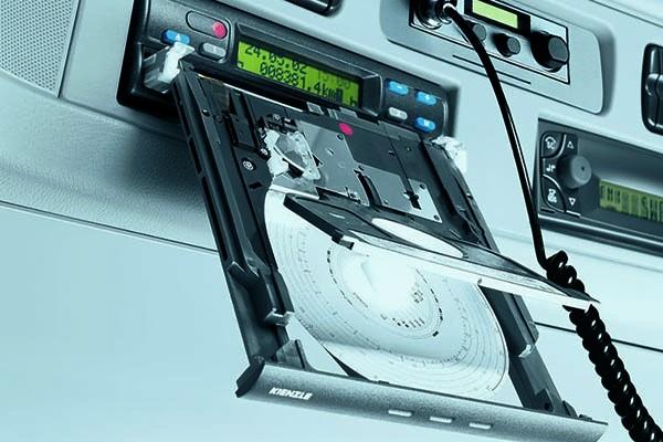 Tachografy: nowe przepisy, nowe uprawnienia kontrolujących