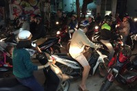 I jadą… Kask na głowie motocyklisty jest już powszechnie stosowany
