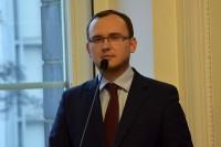 Szymon Huptyś, prowadzący konferencję, rzecznik prasowy MIiB