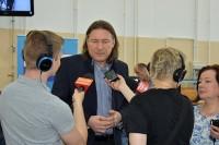 Robert Kwiatkowski, prezes PFRON wśród dziennikarzy