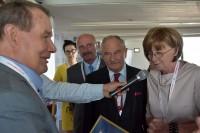 """Franciszek Romanowicz otrzymuje """"ZŁOTY WAWRZYN"""" Fundacji Zapobieganie Wypadkom Drogowym"""