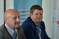 Moderatorzy Wojciech Pasieczny i Mariusz Sztal ogłosili zakończenie sesji plenarnej kongresu