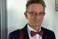 W naszym obiektywie najlepiej wystylizowany instruktor nauki jazdy - Marek Skurski