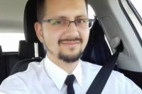Przemysław Olszak, kryminolog, a na co dzień instruktorem nauki jazdy kat. B. Zainteresowania: motoryzacja, bezpieczeństwo ruchu drogowego, służby mundurowe (fot. ze zbiorów autora)