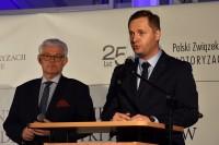 Licznie przybyłych gości oficjalnie przywitali Karol Zielonka, dyrektor PIMOT oraz Jakub Faryś, prezes PZPM