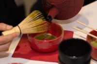 Przenie tradycyjnej japońskiej herbaty