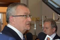 - Po pierwsze edukacja – odpowiedział minister Andrzej Adamczyk.