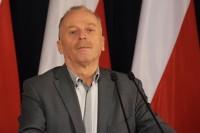 - Od listopada 2015 r. Minister Infrastruktury zatwierdził niemal 700 programów inwestycji, dotyczących nowych zadań na istniejącej sieci drogowej, o wartości 8 mld zł. Są to zadania zwiększające bezpieczeństwo uczestników ruchu drogowego – podkreślił wiceminister Marek Chodkiewicz.
