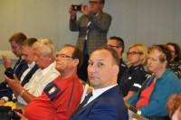 (na pierwszym planie) Rafał Grodzicki, reprezentujący Mazowiecką Radę Bezpieczeństwa Ruchu Drogowego
