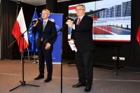 ((od lewej) Marek Zagórski, minister cyfryzacji oraz Andrzej Adamczyk, minister infrastruktury