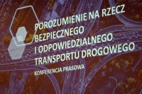 Uroczyste podpisanie Porozumienia na rzecz bezpiecznego i odpowiedzialnego transportu. PAP 24.2.2020 (fot. Jolanta Michasiewicz)