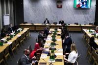 Komisja Infrastruktury, posiedzenie dn. 9.12.2020. Projekt ustaw dot. bezpieczeństwa pieszych