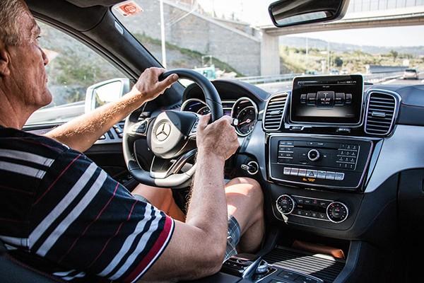 5% kierowców dobrowolnie zrezygnowało z prawa jazdy