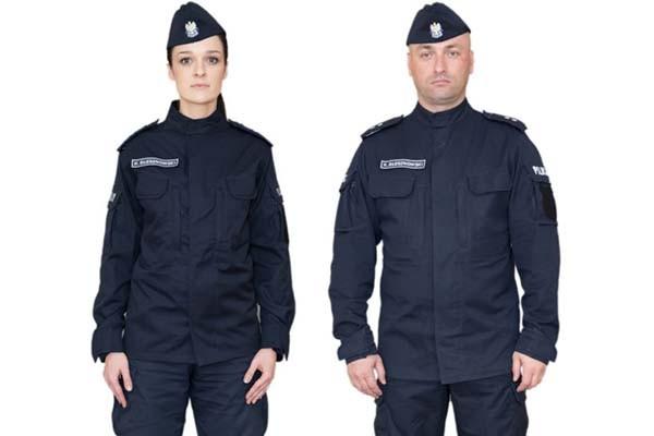 Policjanci w nowych mundurach