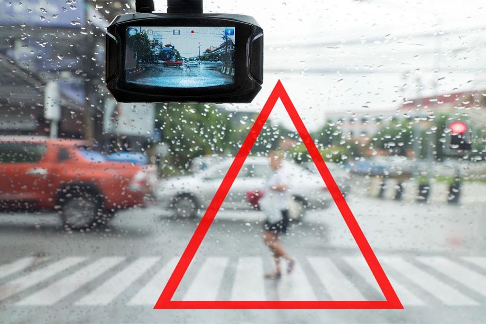Co drugi wypadek na drodze dotyczy pieszych
