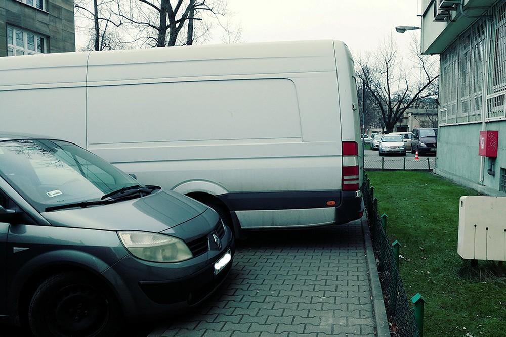 W sprawie niewłaściwego parkowania