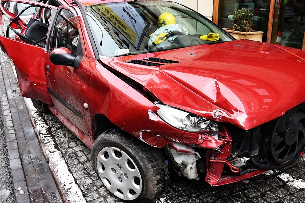 Wyłudzenia odszkodowań z tytułu fikcyjnych kolizji drogowych