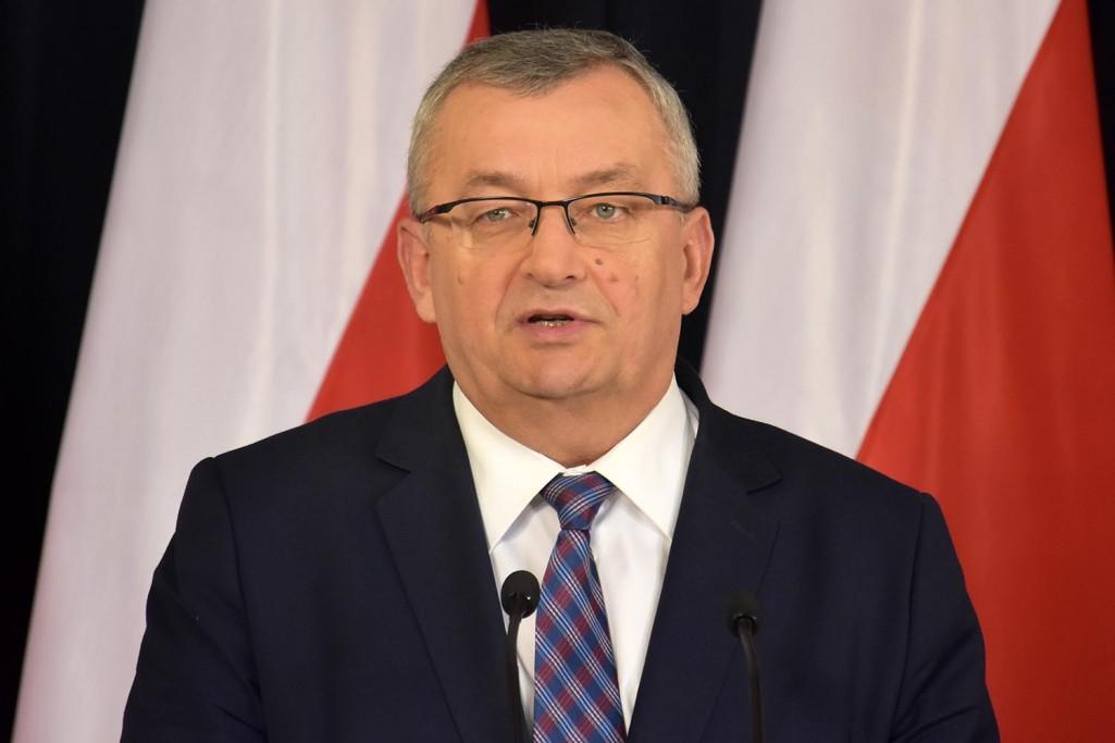 Po pierwsze edukacja kierowców - zapowiedział minister Adamczyk