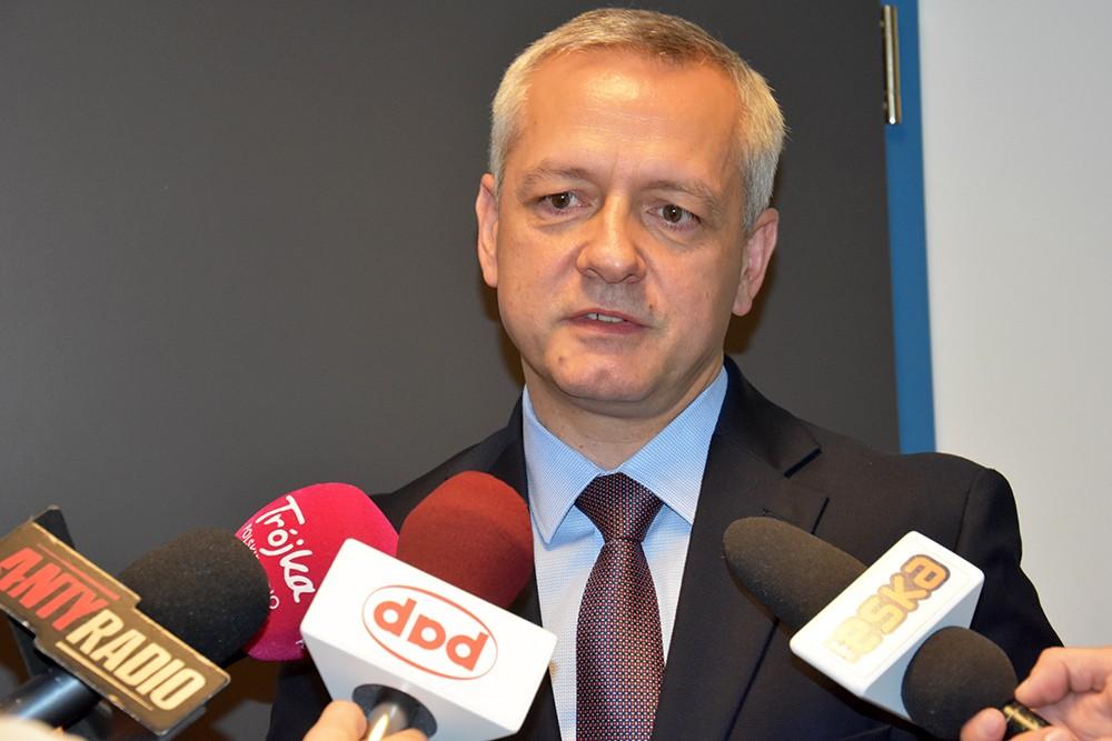 Od 1 października bez dokumentów auta – zapowiedział minister M. Zagórski
