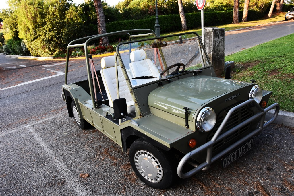 Mini Moke czyli mały pojazd wakacyjny