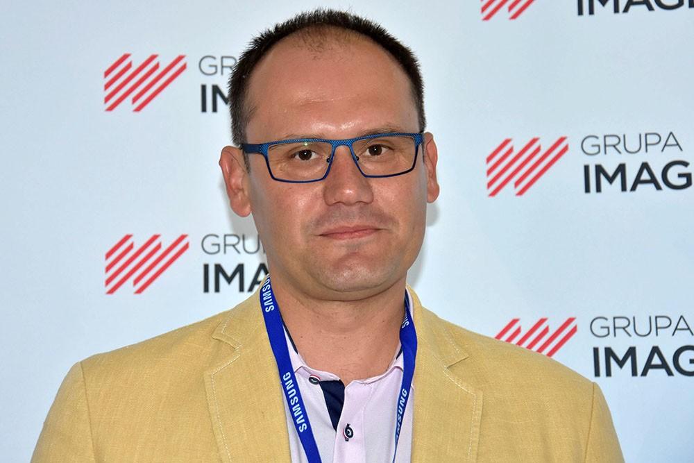 Paweł Żuraw o pierwszeństwie podczas zawracania na skrzyżowaniu równorzędnym