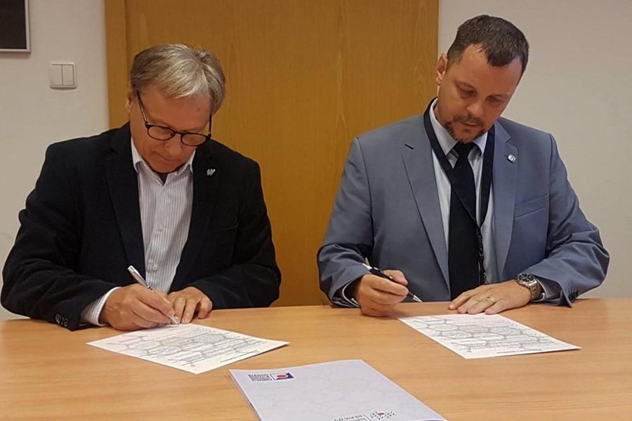 Klastry podpisały umowę