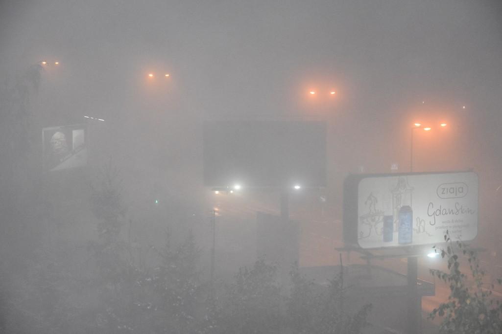 Sezon na mgłę – kiedy używać świateł przeciwmgłowych i o czym pamiętać?