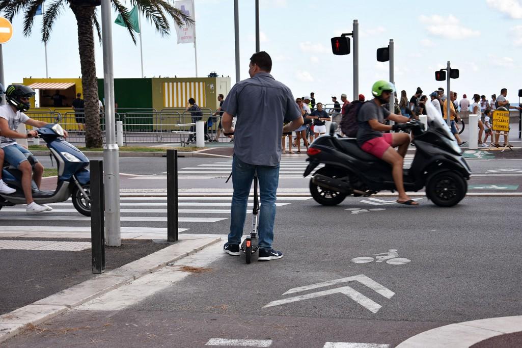 Urządzenia transportu osobistego coraz popularniejsze. Prawo nadąża?