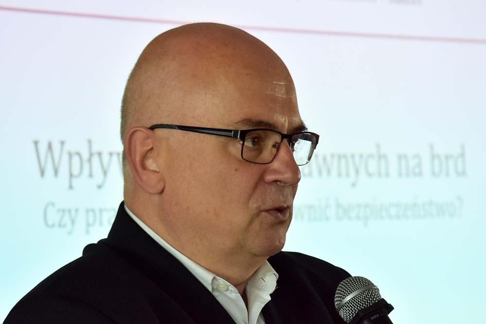 Maciej Wroński. Przejścia dla pieszych - analiza dla wytrwałych