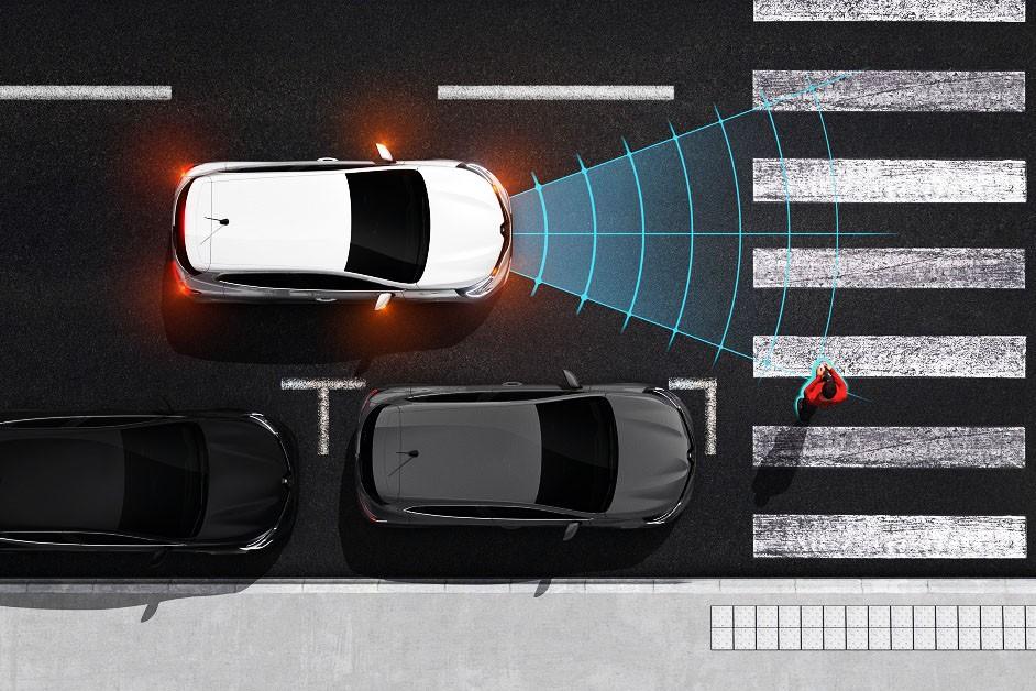 Technologie w służbie bezpieczeństwa na drodze. Jak z nich korzystać?