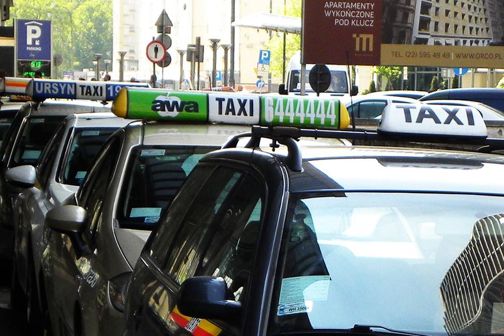 """Taksówkarz wg definicji """"lex Ubera"""""""