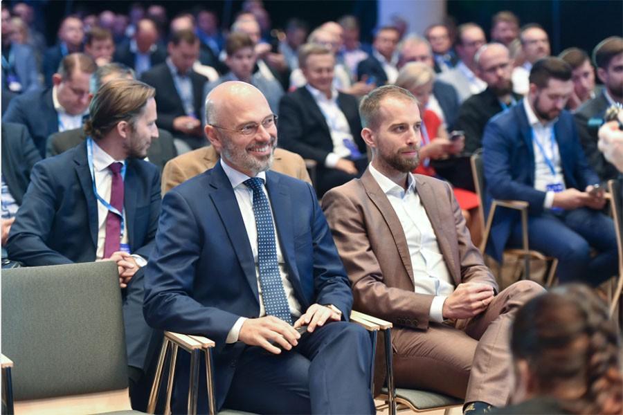 Kurtyka: od współpracy samorządów i przedsiębiorców zależy rozwój elektromobilności