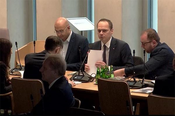 Pieszy nie będzie miał bezwzględnego pierwszeństwa – mówi minister Rafał Weber