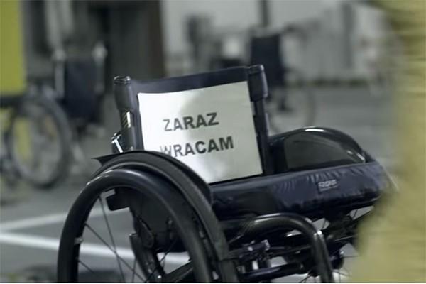 A Ty, często udajesz niepełnosprawnego?