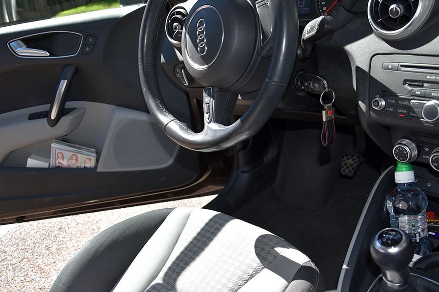 Jak i czym bezpiecznie dezynfekować auto, by mu nie zaszkodzić?