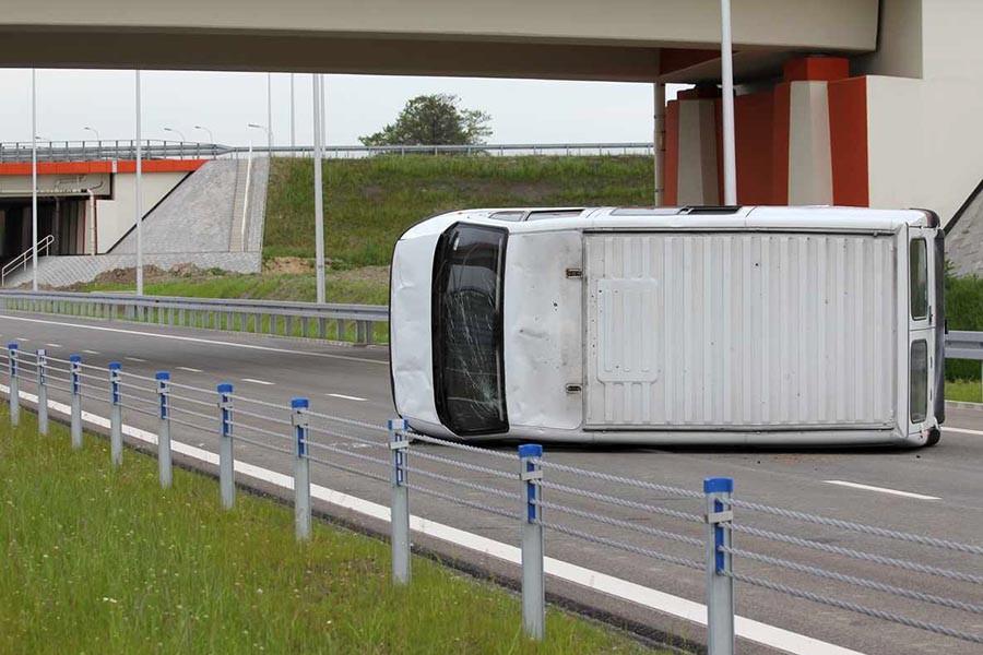 Do wypadku drogowego wystarczy jeden pojazd