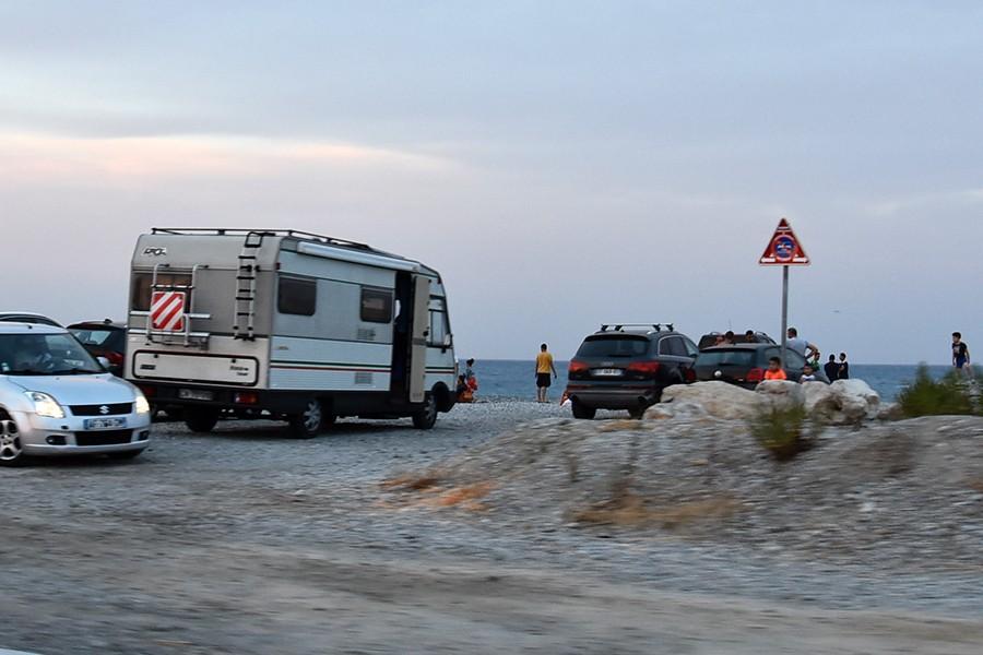 Pasażerowie w kamperze