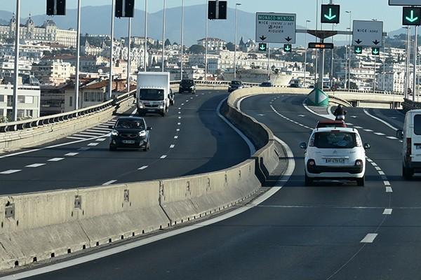 Ministerstwo Infrastruktury o stosowaniu barier betonowych