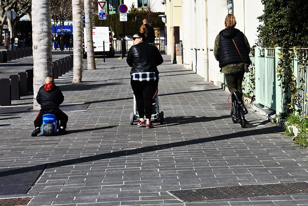 """Hulajnoga na chodniku: do 8 km/godz. czy z """"prędkością pieszego""""?"""