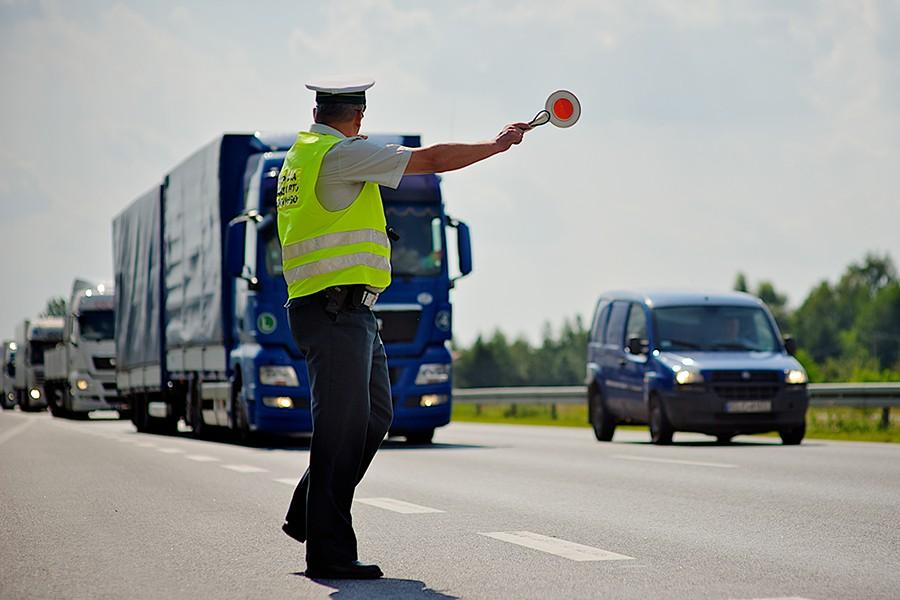 Tysiące kontroli drogowych i tysiące zarejestrowanych naruszeń