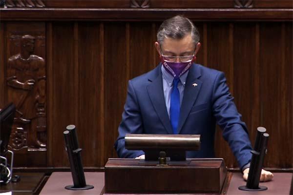 Polscy kierowcy są źle szkoleni – na forum Sejmu mówi poseł Marek Rutka