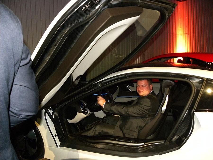 Salony zarejestrują nowe auta online