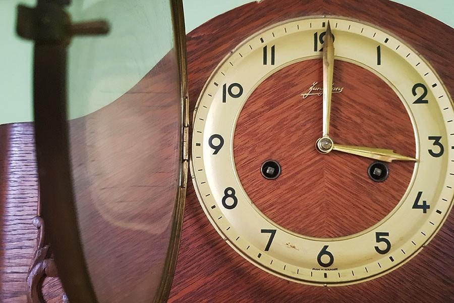 W niedzielę przesuń wskazówki zegara na czas letni