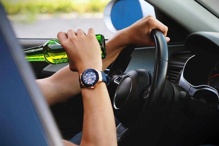 Wzrost liczby pijanych kierowców i statystyki
