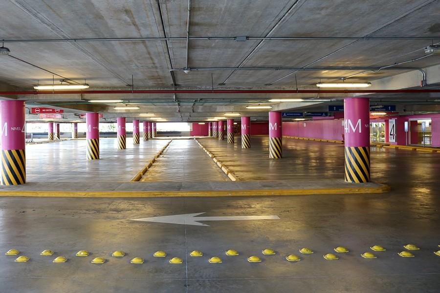Centra handlowe otwarte. Jak prawidłowo zaparkować?