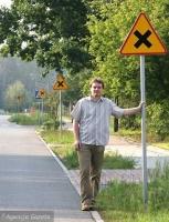 Droga asfaltowa równorzędna piaszczystej