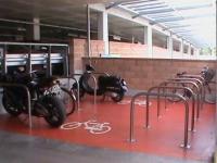 Przybywa stojaków dla rowerów