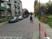 Parkowanie przed progiem zwalniającym