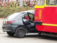 W zderzeniu z tramwajem samochód nie ma szans