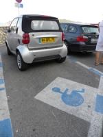 Czy niepełnosprawni pozostaną bez kart parkingowych?
